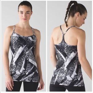 🔥Lululemon Athletica Power Y Tank 🔥